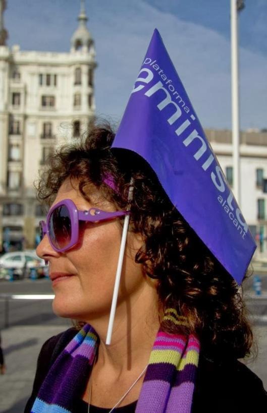 Angie Simonis y sus Gafas Violetas