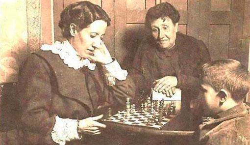Matilde Ras y Elena Fortún